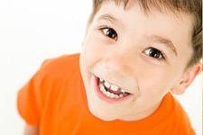 У ребенка кариес молочных зубов?