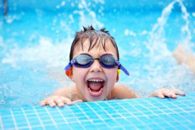 Физическое развитие ребенка: плавание