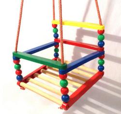 Качель для ребенка летом на даче